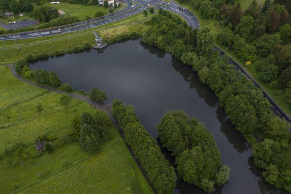 """Das """"Hochwassser-Rückhaltebecken"""", wie der Stausee vor Ober-Ramstadt amtlich heißt, entstand 1993 und musste 2005 schon entschlammt werden."""