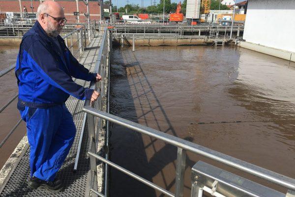 Das Nitratproblem der Flüsse könnten Kläranlagen nicht verhindern, sagen uns die Experten in Pfungstadt. Es brauche Reformen in der Landwirtschaft.