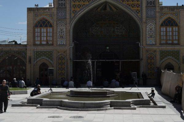 Es ist Ramadan: Die Menschen beten in der Jameh-Moschee von Zandscha.