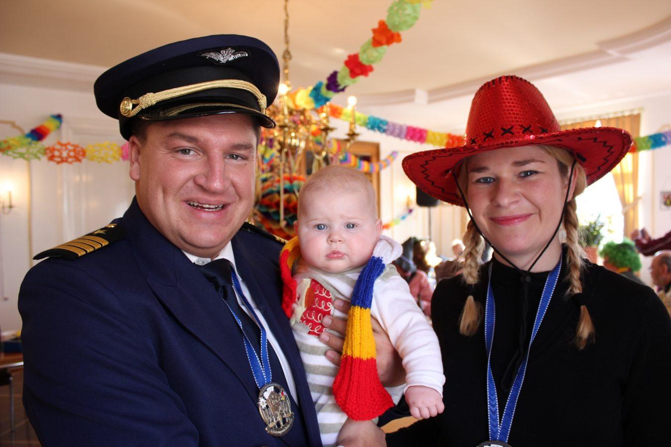 Helau: So präsentiert sich Held im Wahlkampfjahr 2013 mit Familie (Foto: privat/Held)