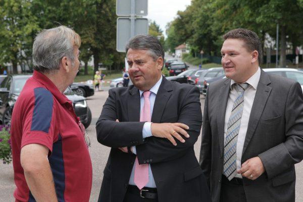 Mit dem damaligen Vizekanzler Sigmar Gabriel in Alzey (Foto: Schmitz)