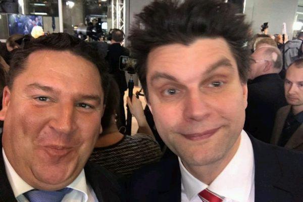 """Selfie mit Lutz van der Horst von der """"heute Show"""" (Foto: privat/Held)"""